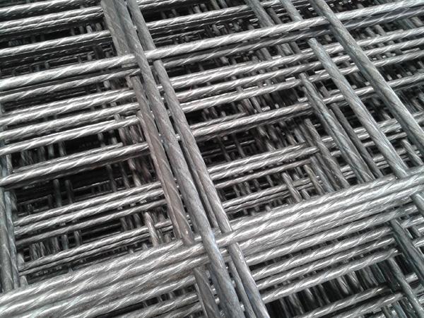 高强高韧低合金钢筋网